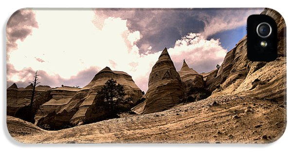 Into The Tent Rocks IPhone 5 Case