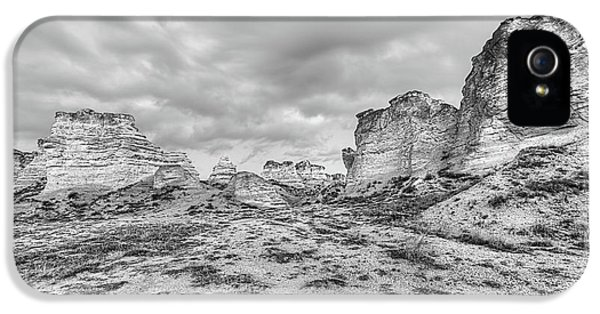 IPhone 5 Case featuring the photograph Kansas Badlands Black And White by JC Findley