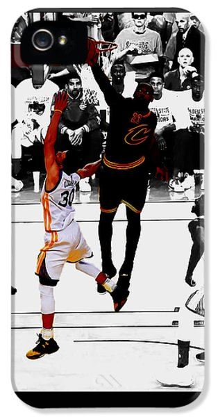 King James Blocks Steph Curry IPhone 5 Case by Brian Reaves