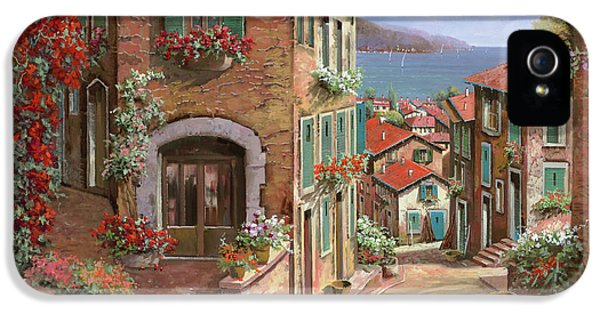 Town iPhone 5 Case - La Discesa Al Mare by Guido Borelli