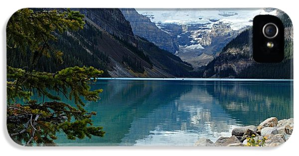 Mountain iPhone 5 Case - Lake Louise 2 by Larry Ricker