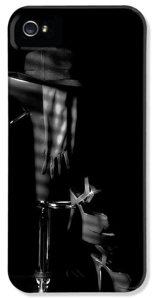 Last Call In Black And White IPhone 5 Case by Tom Mc Nemar