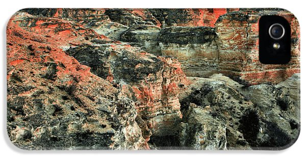 IPhone 5 Case featuring the photograph Layers In The Kansas Badlands by Kyle Findley
