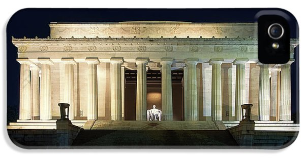 Lincoln Memorial At Twilight IPhone 5 Case by Andrew Soundarajan