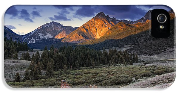 Lost River Mountains Moon IPhone 5 Case by Leland D Howard