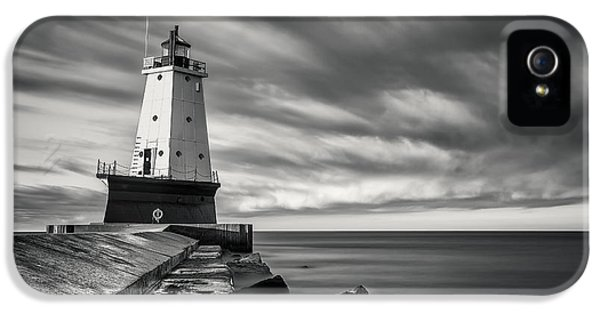 IPhone 5 Case featuring the photograph Ludington Light Black And White by Adam Romanowicz