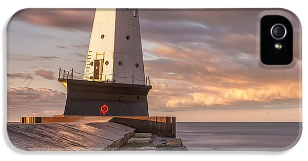 IPhone 5 Case featuring the photograph Ludington North Breakwater Light At Dawn by Adam Romanowicz