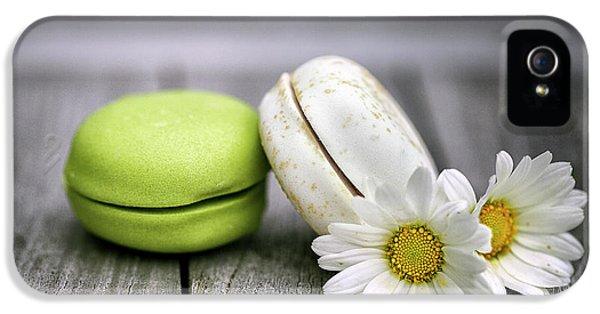 Daisy iPhone 5 Case - Macarons by Nailia Schwarz