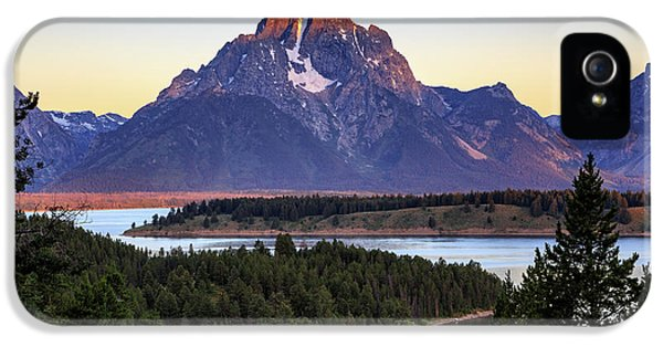 Morning At Mt. Moran IPhone 5 Case by David Chandler