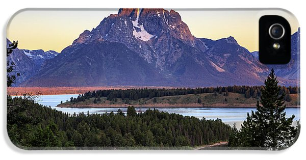 IPhone 5 Case featuring the photograph Morning At Mt. Moran by David Chandler