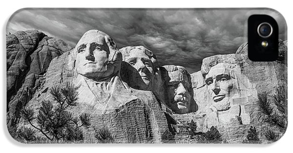 Mount Rushmore II IPhone 5 / 5s Case by Tom Mc Nemar