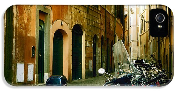 narrow streets in Rome IPhone 5 Case