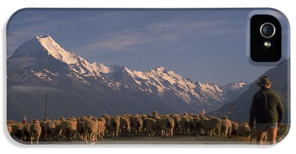 New Zealand Mt Cook IPhone 5 Case by Travel Pics
