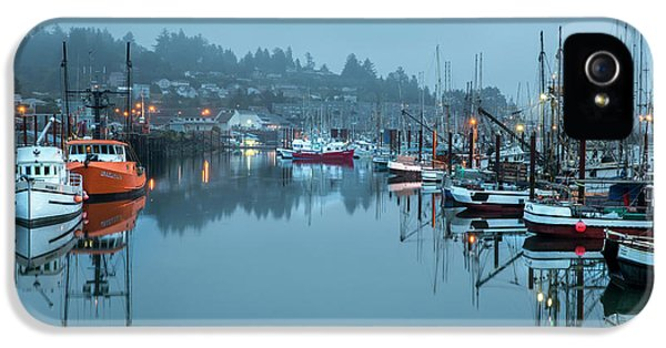 Newport Fishing Boats IPhone 5 Case by Jon Glaser