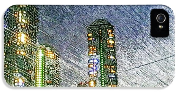 Tokyo River IPhone 5 Case by Daisuke Kondo