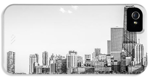 Hancock Building iPhone 5 Case - North Chicago Skyline Panorama In Black And White by Paul Velgos