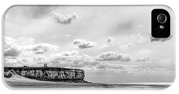 Sky iPhone 5 Case - Old Hunstanton Beach, Norfolk by John Edwards