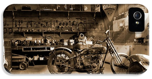 Old Motorcycle Shop IPhone 5 Case by Mike McGlothlen