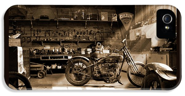 Old Motorcycle Shop IPhone 5 Case