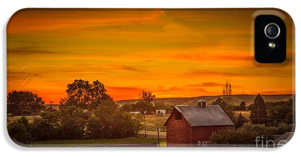 Old Red Barn IPhone 5 Case