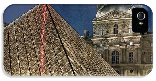 Paris Louvre IPhone 5 Case by Juli Scalzi