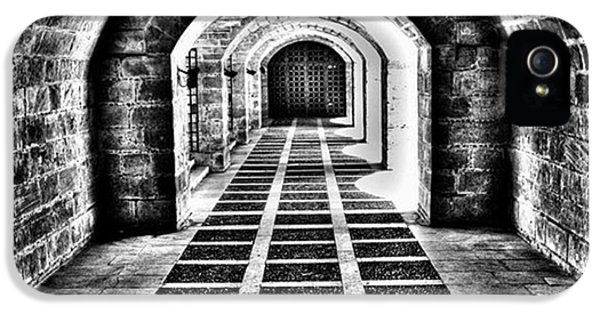 iPhone 5 Case - Passage, La Seu, Palma De by John Edwards