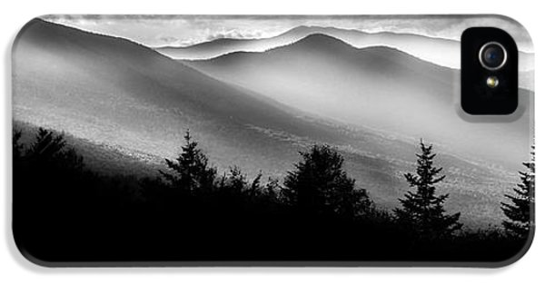 IPhone 5 Case featuring the photograph Pemigewasset Wilderness by Bill Wakeley