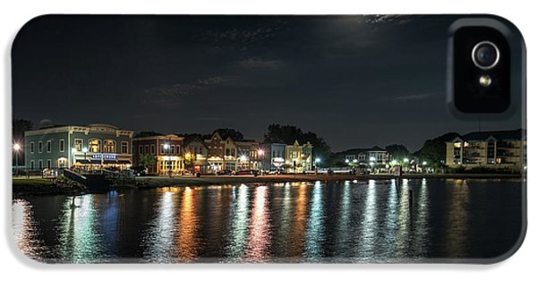 Pewaukee At Night IPhone 5 Case by Randy Scherkenbach
