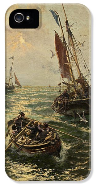 Putting The Catch Ashore IPhone 5 / 5s Case by Thomas Rose Miles