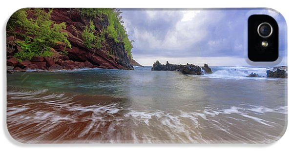 Pacific Ocean iPhone 5 Case - Red Sand by Chad Dutson