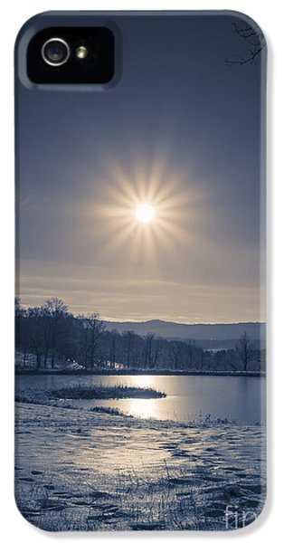 Etna iPhone 5 Case - Rising Sun On A Cold Winter Morning by Edward Fielding
