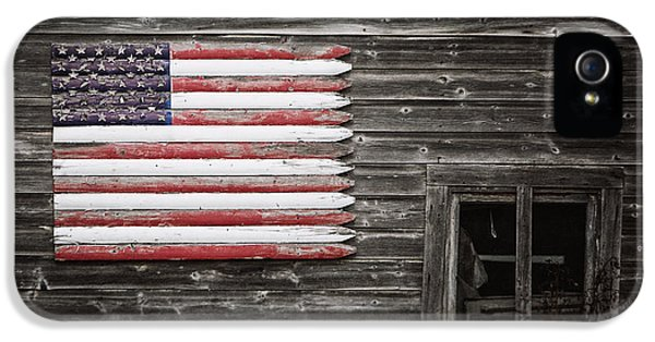 Rustic American Flag On A Weathered Grey Barn IPhone 5 Case by Lisa Russo