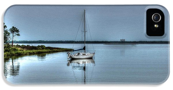 Sailboat Off Plash IPhone 5 Case by Michael Thomas