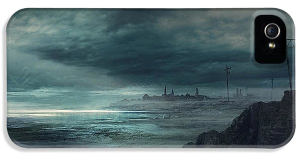 Boston iPhone 5 Case - Shadow Over Innsmouth by Guillem H Pongiluppi