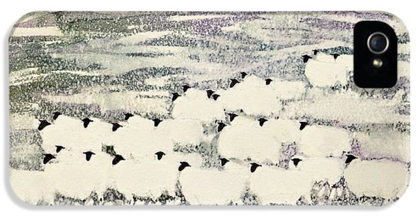 Sheep In Winter IPhone 5 Case by Suzi Kennett