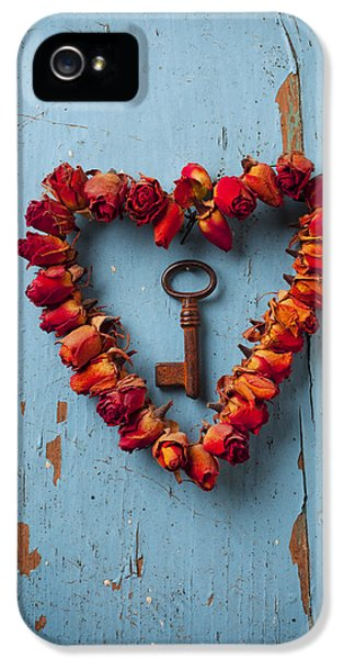 Day iPhone 5 Case - Small Rose Heart Wreath With Key by Garry Gay