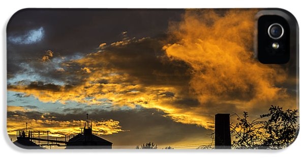 IPhone 5 Case featuring the photograph Smoky Sunset by Jeremy Lavender Photography
