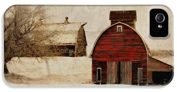 South Dakota Corn Crib IPhone 5 / 5s Case by Julie Hamilton
