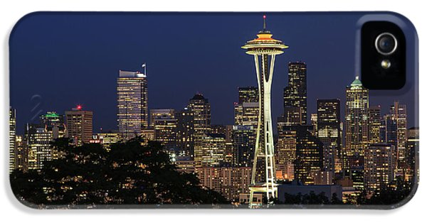 IPhone 5 Case featuring the photograph Space Needle by David Chandler