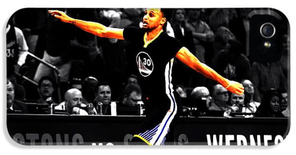 Stephen Curry Scores Again IPhone 5 Case by Brian Reaves