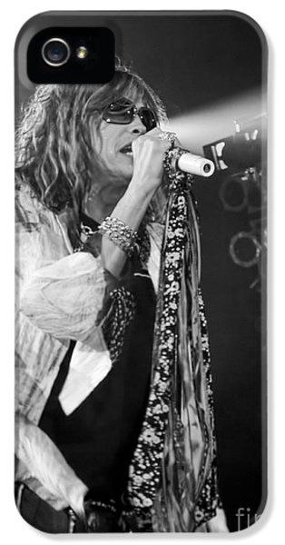 Steven Tyler iPhone 5 Case - Steven Tyler In Concert by Traci Cottingham