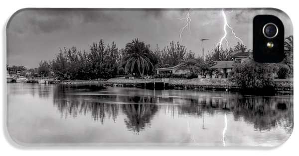 Storm In Paradise IPhone 5 Case