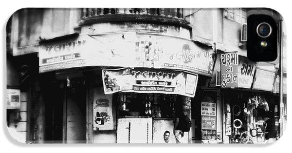 iPhone 5 Case - Streetshots_surat by Priyanka Dave