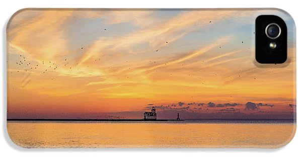 IPhone 5 Case featuring the photograph Sunrise And Splendor by Bill Pevlor