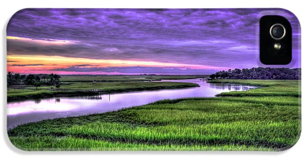 Wren iPhone 5 Case - Sunset Over Turners Creek Savannah Tybee Island Ga by Reid Callaway