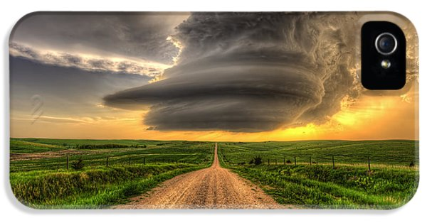 Nebraska iPhone 5 Case - Supercell Highway - Arcadia Nebraska by Douglas Berry