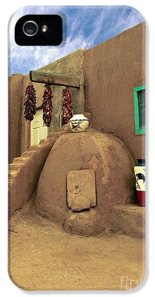 Pueblo iPhone 5 Cases - Taos Oven iPhone 5 Case by Jerry McElroy