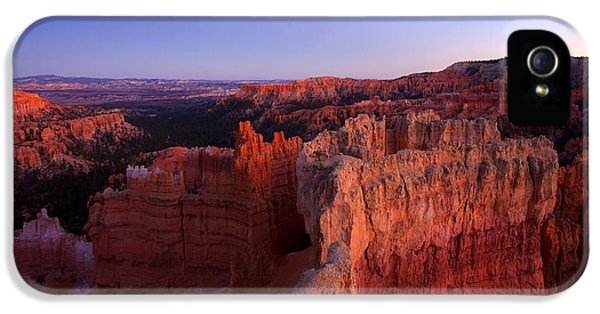 Desert iPhone 5 Case - Temple Of The Setting Sun by Mike  Dawson