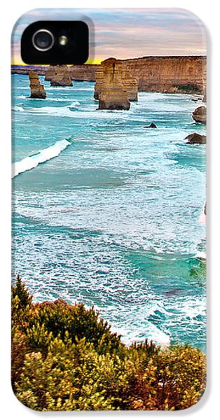 Featured Images iPhone 5 Case - The Last Wave by Az Jackson
