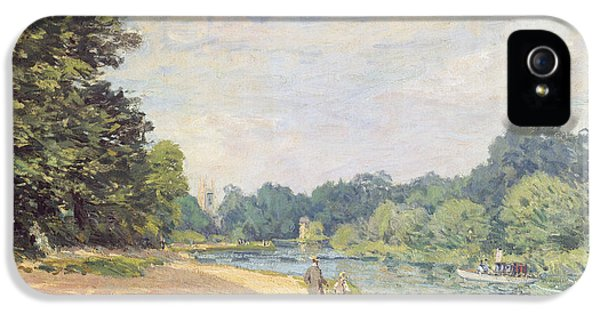 The Thames With Hampton Church IPhone 5 Case by Alfred Sisley